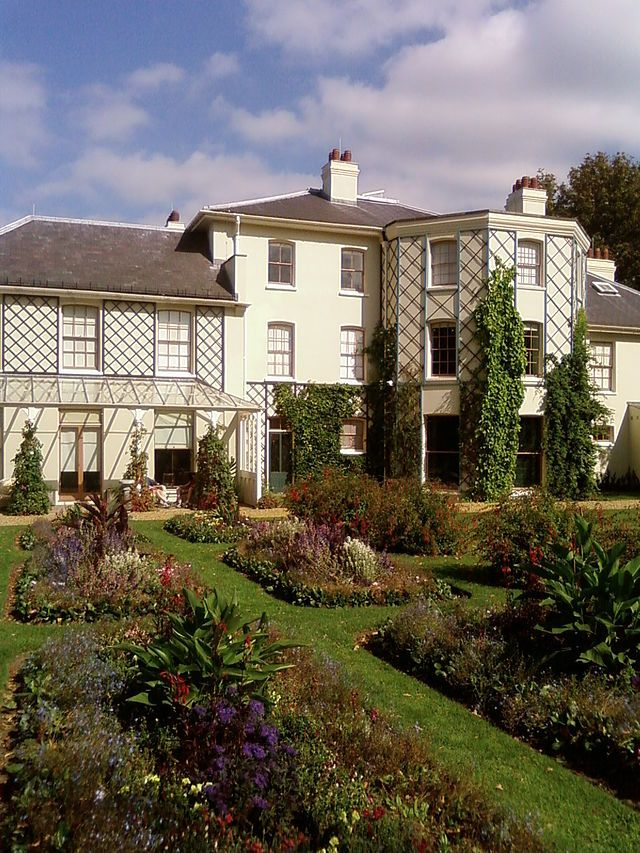 Visit Charles Darwin's home, Down House, England (not done yet)