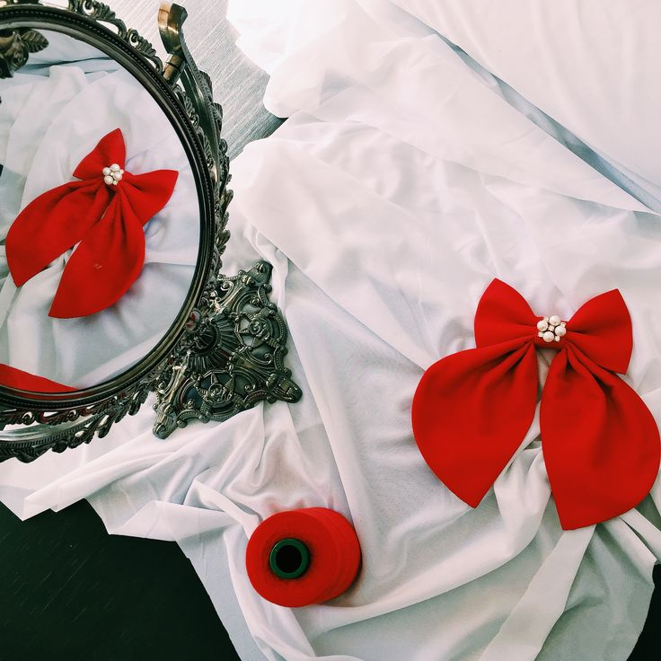 Mirror mirror on the wall, who`s the prettiest women bow tie of them all ? :) #handmade #bowtie #etsy #bowsbyvaniaszasz