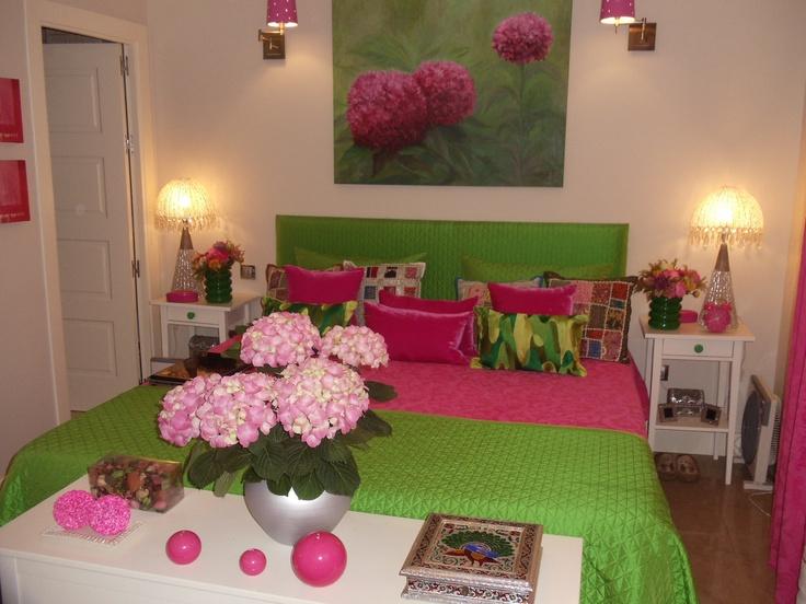 El dormitorio que le he decorado a mi amiga luisa.Es muy alegre como es ella.Que lo disfrutes guapa :)