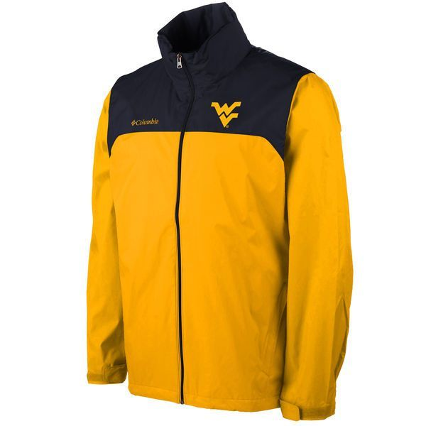 Head out to Mountaineer Field in this Columbia WVU Glennaker Lake Packable Rain Jacket with stow-away hood, and you will stay dry until the final whistle.