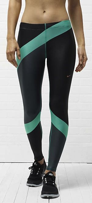 Engineered print running tights. #gear #running #nike I need long running pants that stay on my big booty when I run.