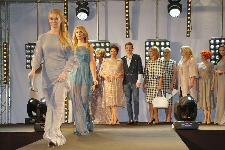 Gala Gwiazd na Gwiazdkę dla Fundacji Instytutu Matki i Dziecka       Zobacz cały artykuł na naszej stronie: http://fashionmedia.pl/2014/12/23/gala-gwiazd-na-gwiazdke/  Kategorie: #Wydarzenia Tagi: #AnnaKorcz, #BartoszŻukowsk, #Charytatywnie, #EwaPacuła, #FundacjaInstytutuMatkiIDziecka, #Gala, #MagdaWaligórska, #OlgaBorys
