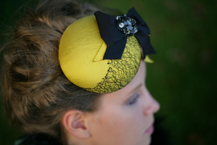 Yellow Beret with vintage decoration...