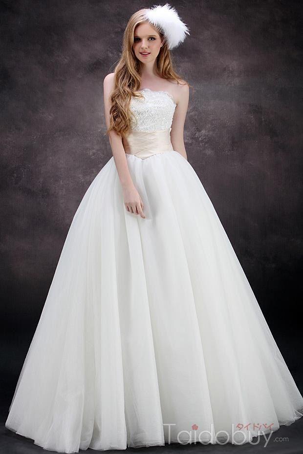 Aラインストラップレス帝国ウエストチュールウェディングドレス