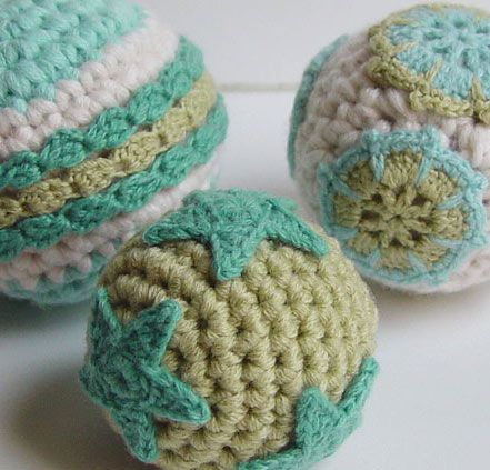 crochet Christmas ornaments by meekssandygirl.deviantart.com on @deviantART