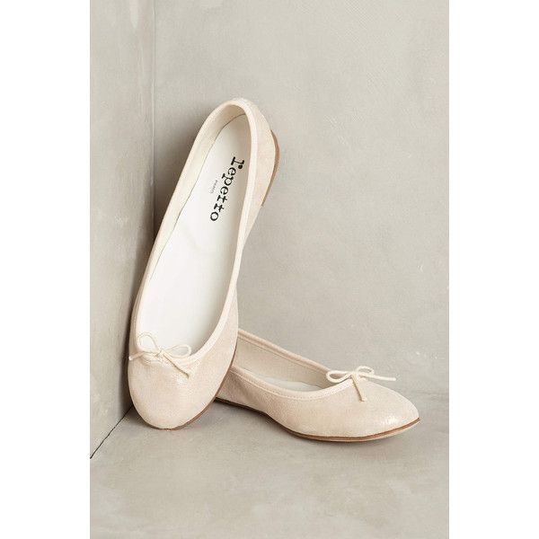 Repetto Cendrillon Metallic Ballet Flat ($348) ❤ liked on Polyvore featuring shoes, flats, pink, repetto flats, pink ballet flats, suede flats, ballerina pumps and ballet pumps