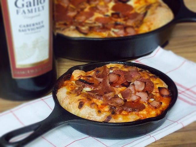 Meat Lover's Skillet Pizza #SundaySupper Recipe Main Dishes with pizza doughs, marinara sauce, mozzarella cheese, sausage meat, pepperoni, canadian bacon, thick-cut bacon