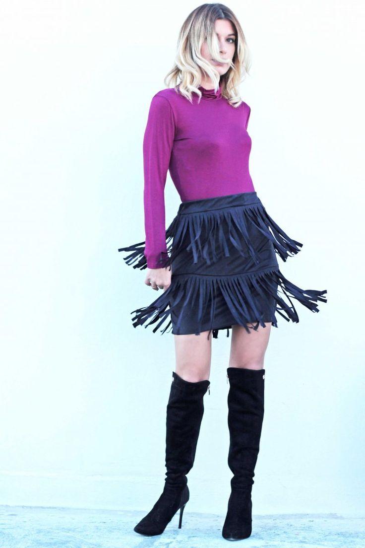 Φούστα mini ψηλόμεση με κρόσια. #fashion #fashiontrends #woman #womensfashion