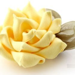 15 gorgeous ribbon flowers and bows tutorial - FREE (via gaberibbon).