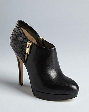 Michael Kors booties: High Heels Boots, York High, Michael Michael, Shoes Fashion, Michael Kors, Shoes Boots, Kors Bootie, Fall Shoes Bootie High Heels, Cute Winter Shoes