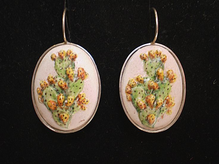 www.decortack.com  #decortack #orecchini #fichidindia #bassorilievo #dipintoamano si #porcellana #argento925 #Earrings #pricklypear #basrelief #handpainted #porcelain #silver925
