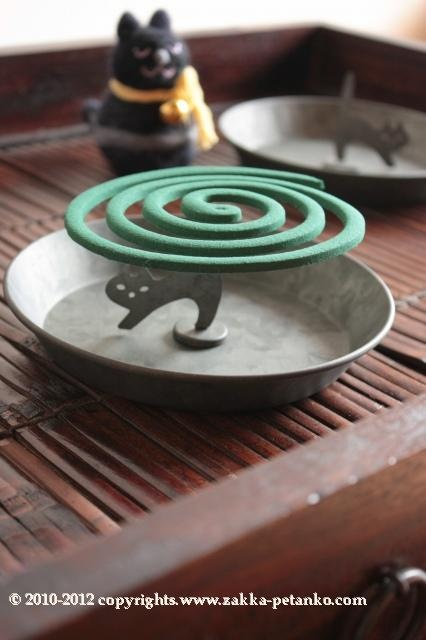 Japanese mosquito coil, Katori-senko 蚊取り線香 I remember the smell of these from my childhood....