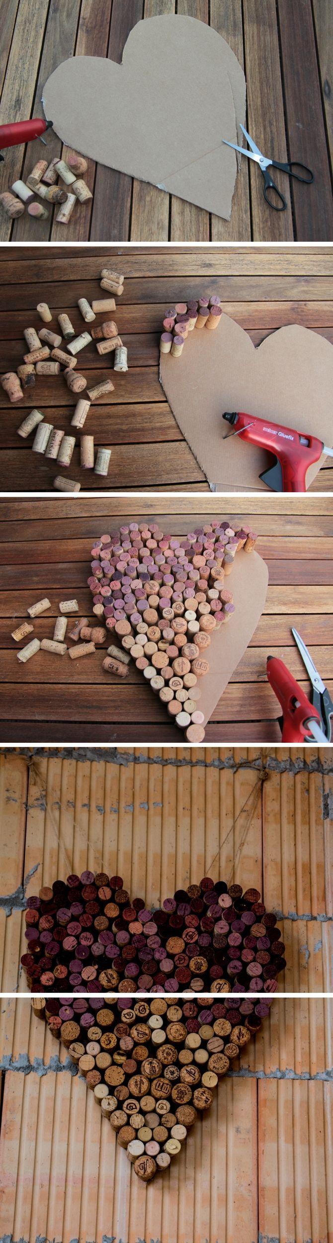 Ein Herz aus alten Weinkorken - einen wunderschöne Deko für die Hochzeit und ein super Upcycling-Projekt. Durch die Verwendung von Rotwein-Flaschen-Korken entsteht ein besonderer Ombre-Effekt.