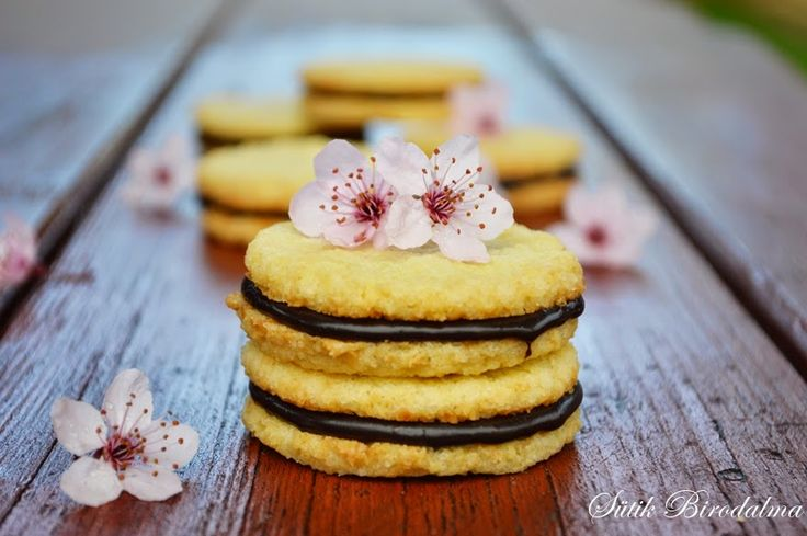 SÜTIK BIRODALMA: Csokikrémes kókuszkeksz / Coconut cookies with chocolate cream