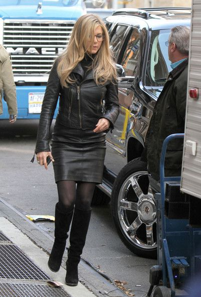 "Jennifer Aniston Photos - Jennifer Aniston On Set Of ""Wanderlust"" - Zimbio"
