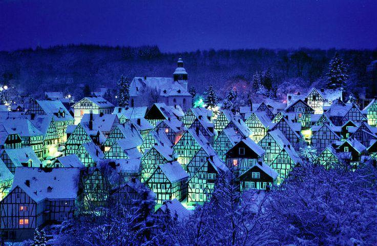 """Freudenberg...Dort kann man (s)ein """"Blaues Wunder"""" erleben"""