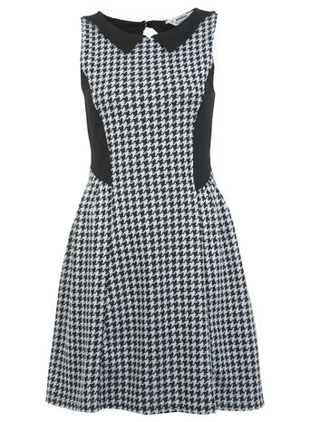 More houndstooth, I'm loving the cute collar.