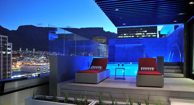 Park Inn by Radisson Cape Town Foreshore, South Africa. Sunroof Terrace: Ideal venue for any occasion boasting spectacular views of Table Mountain.