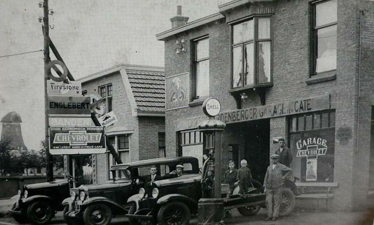 1910-1920  Eerste Hardenberger Garage  ten Cate aan het Oosteinde. Hardenberg wordt ook modern