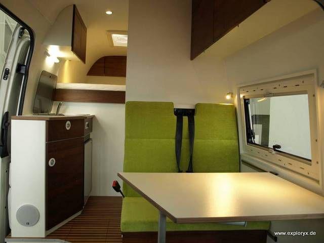 innenausbau des vw crafter mit schiffsparkett vw. Black Bedroom Furniture Sets. Home Design Ideas