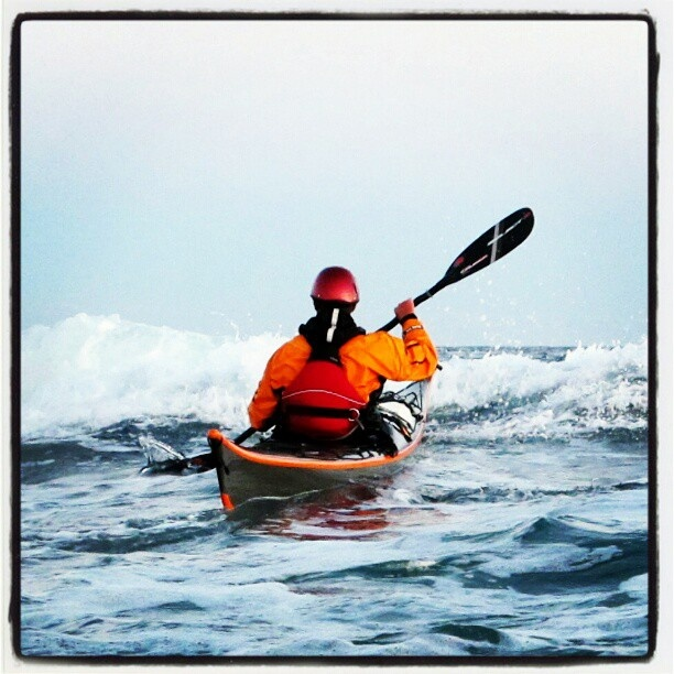Klar for å padle din egen sjø?   InWhite [event] tilbyr i samarbeid med Havpadlern spennende opplevelsesturer  for vennegjenger og firmaer i områdene rundt Risør, og siden vi ligger midt i havgapet, hva er vel mer naturlig enn å ta turen til sjøs?  www.inwhite.no