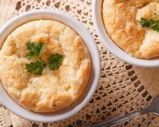 Bowl cake au poulet : http://www.fourchette-et-bikini.fr/recettes/recettes-minceur/bowl-cake-au-poulet.html