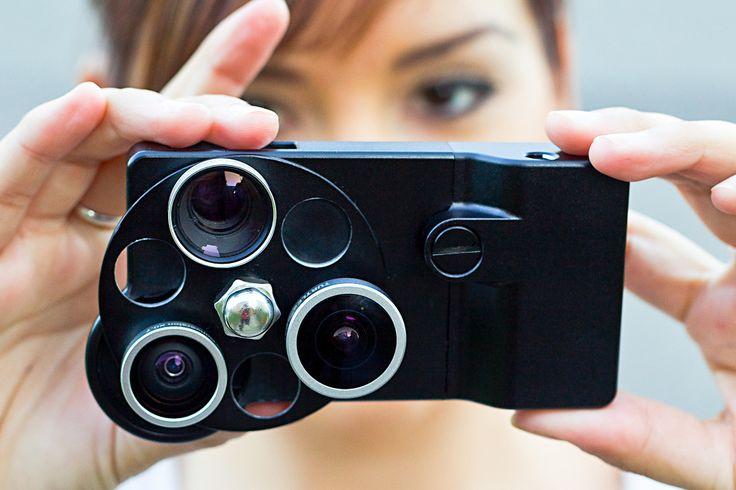 [0과 1로 쓰는 아날로그 이야기] 아이폰을 카메라로 만들어라! http://analogstory01.khan.kr/11 최근에는 스마트폰(핸드폰)의 카메라 기능들이 좋아지면서 똑딱이라 불리는 소형 디카들의 활용성과 많이 겹치고 있습니다. 해상도와 화질 등은 이미 왠만한 소형 디지털 카메라의 역할까지 해줄 정도의 수준이 되고 있습니다.  하지만, 카메라가 가지는 화각을 따라갈 수 없는게 현실이고 아쉬운 부분으로 남아 있습니다.