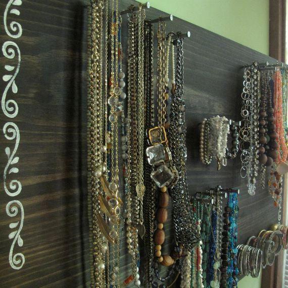 DIY Jewelry Organizer – Jewelry Board | Free People Blog #freepeople