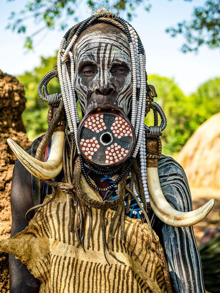 Bellezza e arte nelle decorazioni delle donne tribali etiopiche