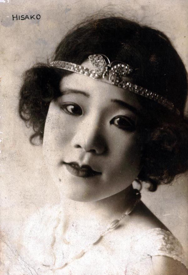 Hisako Ichijou (1904-1920) - Japanese star of the Asakusa Opera, who tragically died at 17 due to lead poisoning from the white face paint she wore during performances.