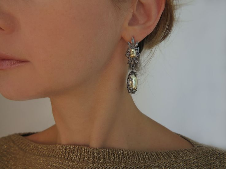 Long and elegant earrings, gold, silver #gold #jewelry #longearrings #lux #vogue #handmade #jewellery #elegantearrings #earrings #eveningearrings #silver #beautifulearrings