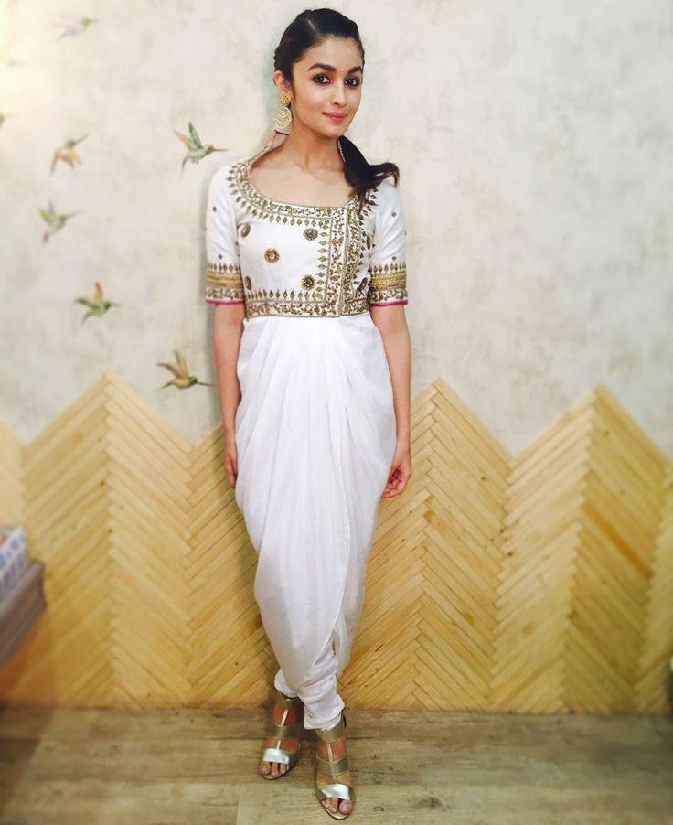"""Looking Pretty as ever, @AliaaBhatt In @TishaSaksenaOfficial, Earrings By @JaipurGems & @Pheddies Shoes at the #DandiyaNight in Ghatkopar, Mumbai. …"""