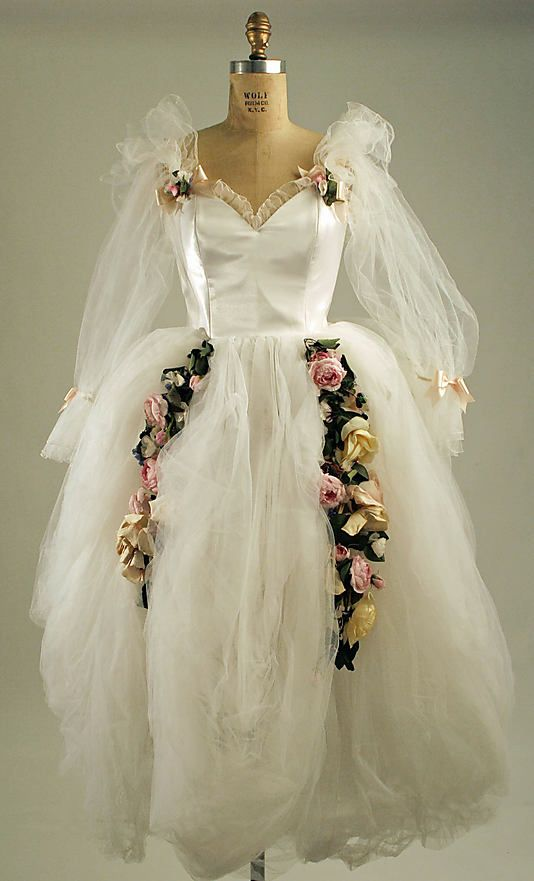 David Emanuel (British, born 1952). Wedding ensemble, 1982. The Metropolitan Museum of Art, New York. Gift of David and Elizabeth Emanuel, 1982 (1982.157.1a–d)