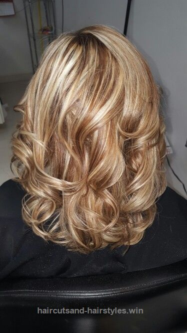 Check it out Sandy got a warm caramel and a high lift blonde. www.facebook.com/…  The post  Sandy got a warm caramel and a high lift blonde. www.facebook.com/……  appeared first o ..