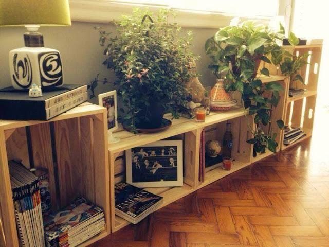 Te mostramos 20 imágenes geniales para hacer nuestras propias estanterías con cajas de frutas.