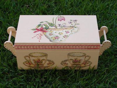 Bell'Arte - Arte em madeira e tecido: caixa de chá