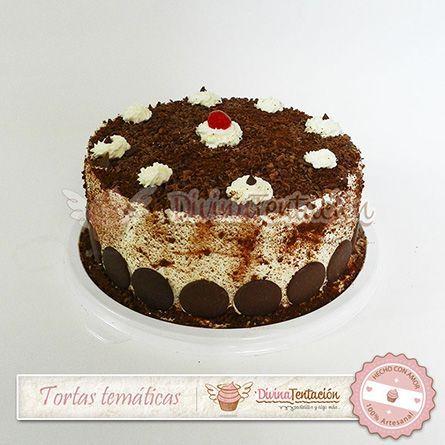 Torta Fria Genovesa de Milo. Delicioso bizcochuelo empapado en tres leches con milo, cubierto con crema chantilly, chocolate y milo.