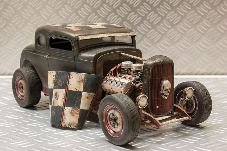 REVELL 1/25 scale ´32 Ford five window coupe. By MadMaxRacing. #model_cars #scale_model #Post_Apocalyptic