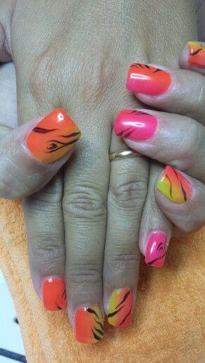 Shade nails