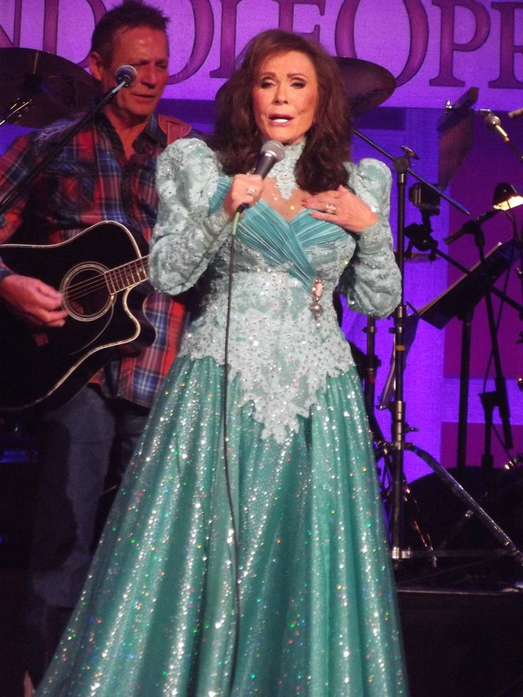 11 best loretta lynn images on pinterest loretta lynn coal miners and country music singers. Black Bedroom Furniture Sets. Home Design Ideas
