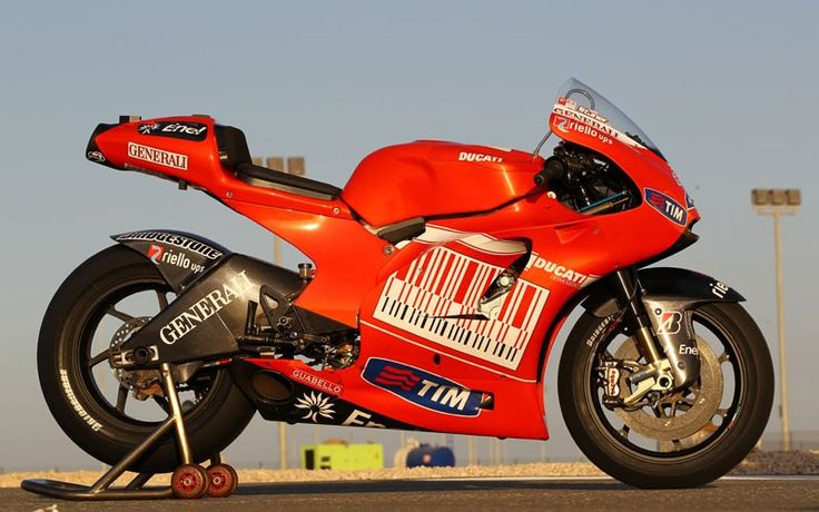 Casey Stoner 2010 | Dozens of classic Ducatis for sale in auction