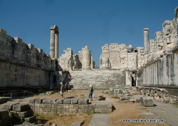 Apollo temple, Pompeii, Italy Tourist Attractions and Travel