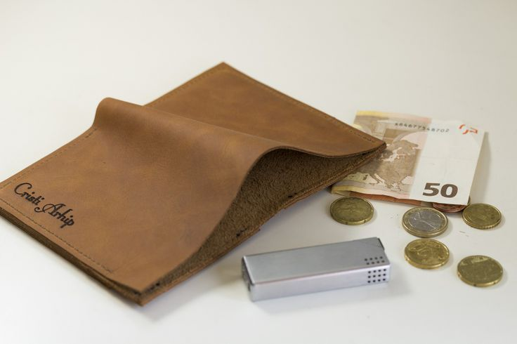 Beautiful wallet, a real romanian design product