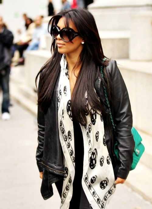 Love the black jacket with the pop of color!
