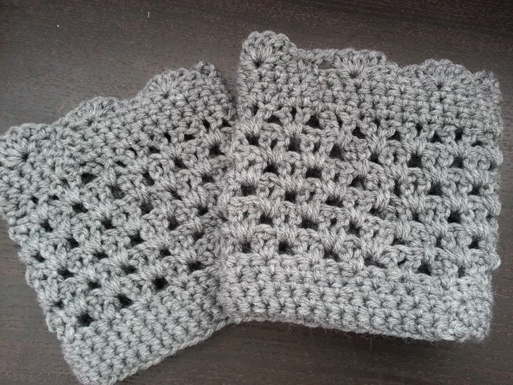 Crochet from J: Lacy Scalloped Boot Cuff - I made with 4 rows of V stitches and 2 rows of sc at the top before the scallop.