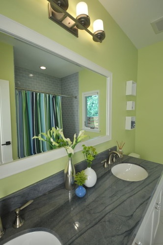 Pin By Amanda Greenman On New House Ideas Green Bathroom Blue Green Bathrooms Bathroom Decor