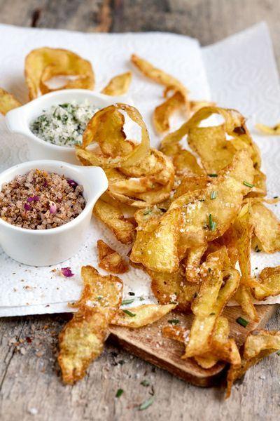 Rezept zu Kartoffelschalen als Chips mit Rosmarinsalz