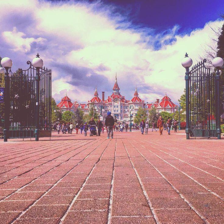 The Disneyland Hotel in Disneyland Paris DLP Disney
