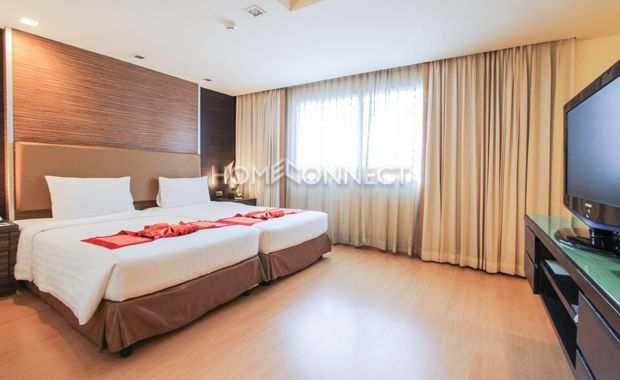 Compact Studio Room for Rent at Aspen Suites -  Get information of this rental & other available apartments or condos for rent, go to http://www.homeconnectthailand.com/?pagename=search-results&price=75000  This remarkable studio room for rent at Aspen Suites is fully furnished and now available on freehold term. Spread over 37 square meters, this low rise accommodation comes with quality twin single beds, end-tables with night lamps, and an audio-visual media console. An