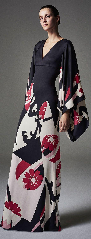 alexander-mcqueen-kimono-gown.jpg (JPEG Imagen, 571×1483 pixeles)